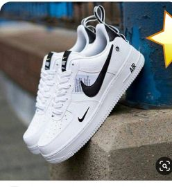 Nike Air Sneakers - White/Black